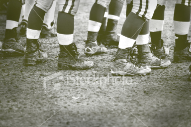 ist2_4664199-old-fashion-football